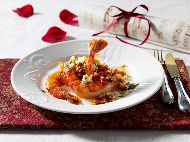 Scampi mit Fetakäse überbacken (Charidhes me féta) Rezept