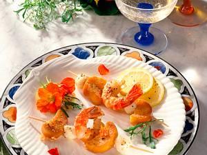 Scampi-Mozzarella-Spieße mit Knoblauchbrot Rezept