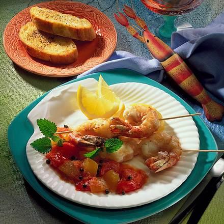 Scampispieße in Tomaten- Fruchtsoße Rezept
