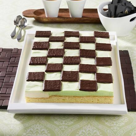 Schachbrett-Kuchen mit Schióko-Mint-Täfelchen Rezept