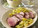 Schäufele (Schweine Schulter) mit warmen Kartoffelsalat und Endiviensalat Rezept
