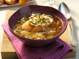 Schalottensuppe mit Nuss-Baguette  Rezept