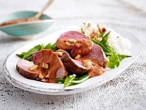 Scharfe Erdnuss-Currysoße zu Schweinefilet Rezept