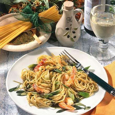 Scharfe Spaghetti mit Garnelen Rezept