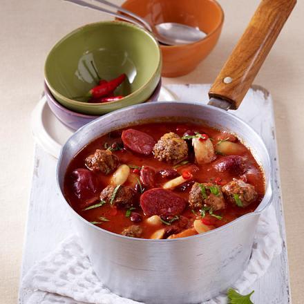 Scharfer Bohneneintopf mit Chorizo und Hackfleischbällchen Rezept