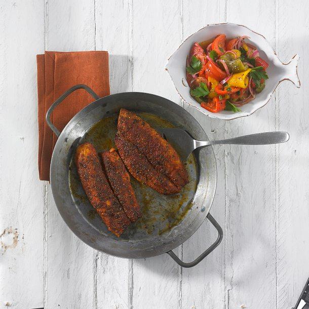 Scharfer Cajun Fisch mit Paprikasalat Rezept