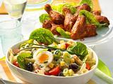 Scharfer Nudelsalat mit Chicken Wings Rezept
