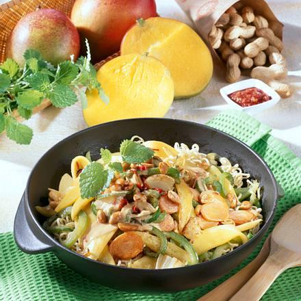 Scharfes Wokgemüse mit Mango Rezept