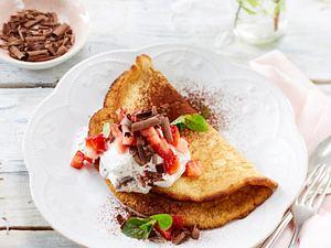 Schaumomelett mit Mascarponecreme und Erdbeeren Rezept