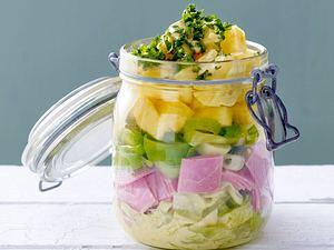 Schichtsalat mit gekochtem Schinken und Ananas Rezept