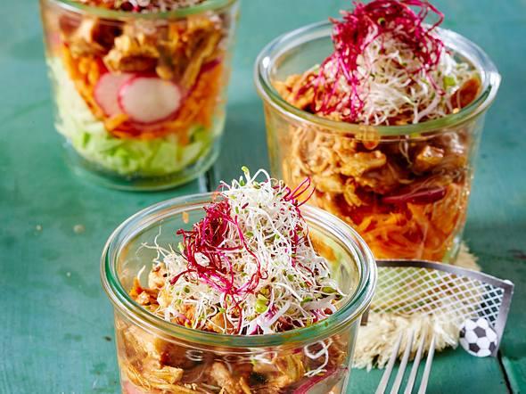 Schichtsalat mit Pulled Chicken im Glas Rezept