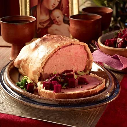Schinkenbraten im Brotteig (nach altrömischer Art) mit Rote Bete Rezept