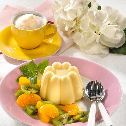Schmand-Pudding mit Früchten Rezept