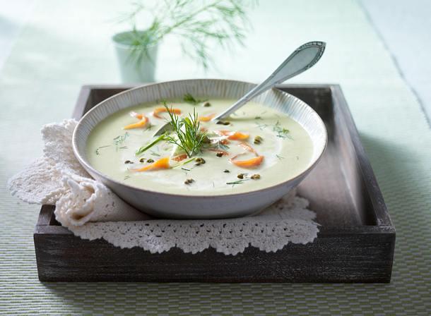 Schmorgurken-Cremesuppe mit Lachs Rezept