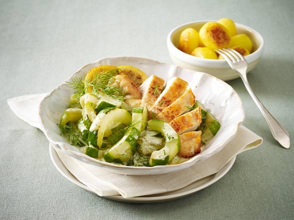Schmorgurken-Gemüse mit Hähnchenfilet und Kartoffeln Rezept