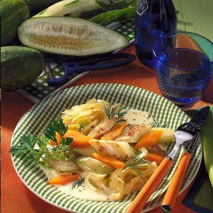 Schmorgurken-Ragout in Käse-Sahne-Soße Rezept