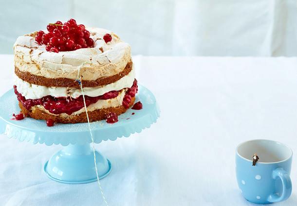 Schneemousse Torte Mit Roten Johannisbeeren Rezept Lecker