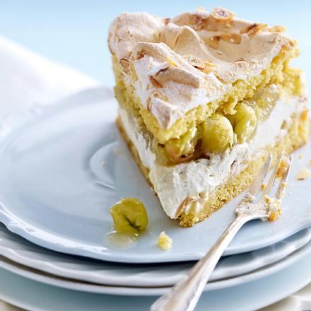 Schneemousse-Torte mit Stachelbeeren Rezept