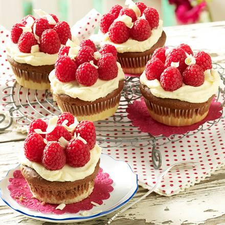 Schneewittchen-Muffins, Variante mit weißen Schokoladenstreifen Rezept