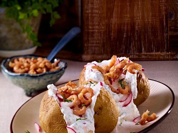 Schnelle Backkartoffel mit Quark & Krabben Rezept