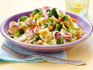 Schnelle Nudeln mit Brokkoli in Frischkäse-Soße