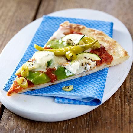 schnelle pizza mit gem se gorgonzola rezept chefkoch rezepte auf kochen backen. Black Bedroom Furniture Sets. Home Design Ideas