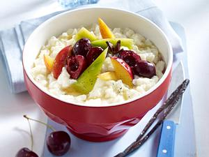 Schneller Milchreis mit Gewürz-Früchten Rezept
