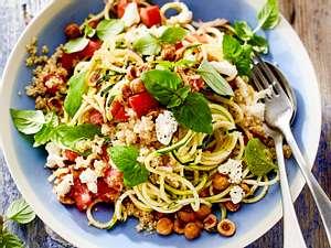 Schneller Teller: Zoodle-Salat  zum Sattessen Rezept