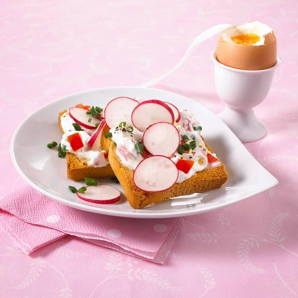 Schnittlauch-Tomaten-Zwieback mit Ei (Diät) Rezept