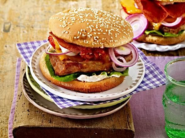Schnitzel-Cheeseburger Rezept