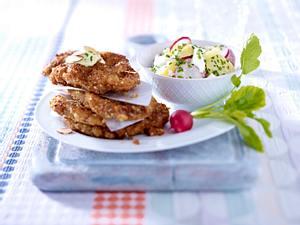Schnitzel in Mandelpanade zu Kartoffel-Radieschensalat Rezept