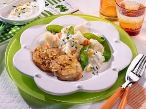 Schnitzel mit Gemüsesalat Rezept