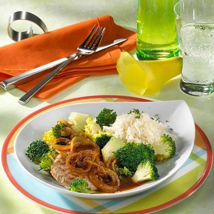 Schnitzel mit Schmorzwiebeln Rezept