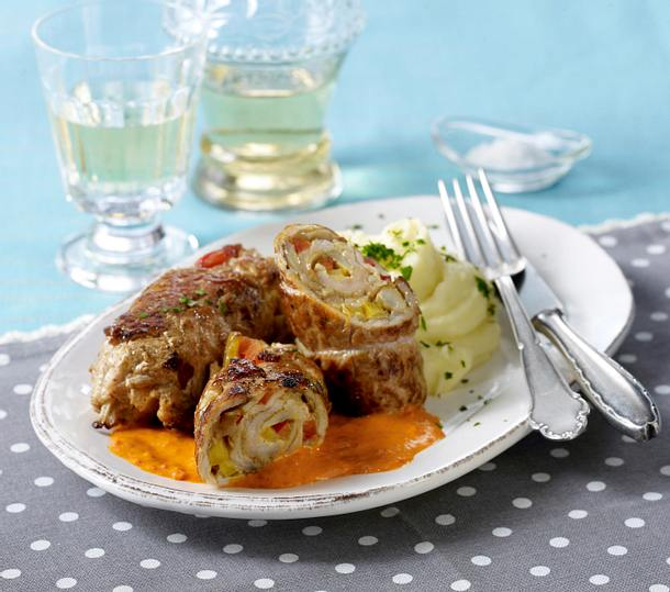 Schnitzel-Roulade mit Paprika-Pilz-Füllung Rezept