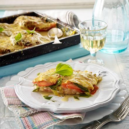 Schnitzelpizza mit Porree-Zwiebel-Rahm Rezept