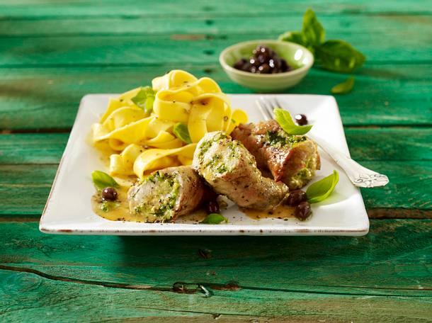 Schnitzelröllchen mit Frischkäse-Pesto-Füllung Rezept
