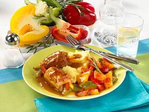 Schnitzelröllchen mit Gemüsefüllung und Püree Rezept