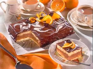 Schoko-Biskuit-Torte mit Orangen Rezept