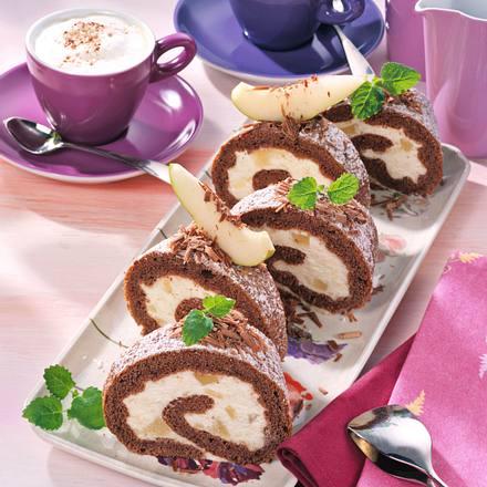 Schoko-Biskuitrolle mit Birnensahne Rezept