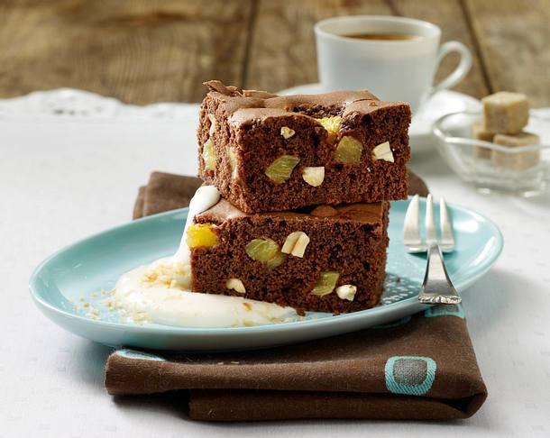 Schoko-Brownies mit Ananas und Erdnüssen auf Kokoscreme Rezept