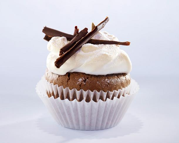 Schoko-Cupcakes (Muffins) mit Baiserhaube (vier mal anders) Rezept