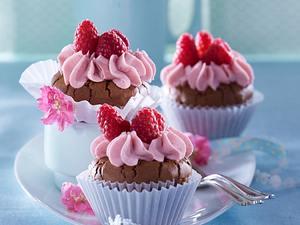 Schoko-Cupcakes (Muffins) mit Himbeer-Meringue-Buttercreme Rezept