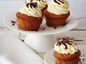 Schoko-Muffins mit Toffeekern und Mascarponehaube Rezept