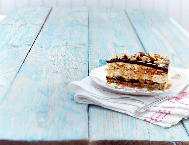 Schoko-Nuss-Cheesecake mit Karamellsoße Rezept