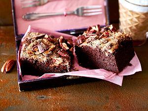 Schoko-Zucchini-Kuchen mit Pekannüssen Rezept