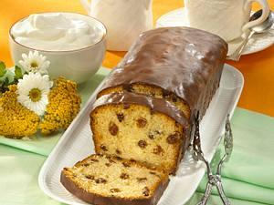 Schokolade-Kastenkuchen mit Rum-Rosinen Rezept