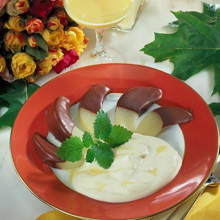 Schokoladen-Birnen mit Eierlikör-Sahne Rezept