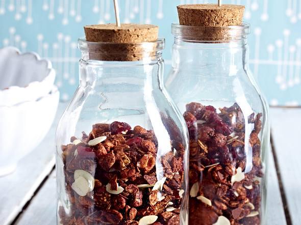 Schokoladen-Cranberry-Granola (Knusper-Müsli) Rezept