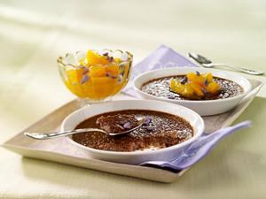 Schokoladen Crème brûlée mit Aprikosenkompott Rezept