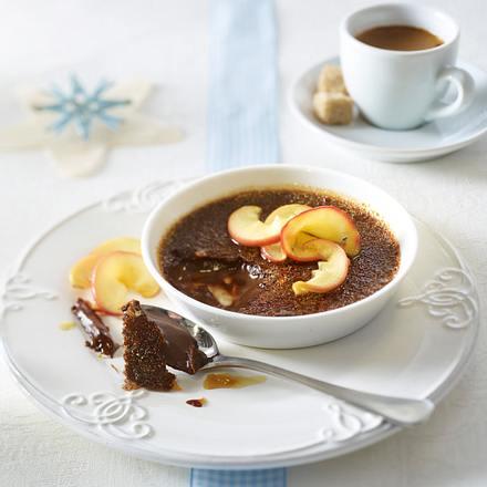 Schokoladen-Crème-brûlee mit karamellisierten Apfelspalten Rezept